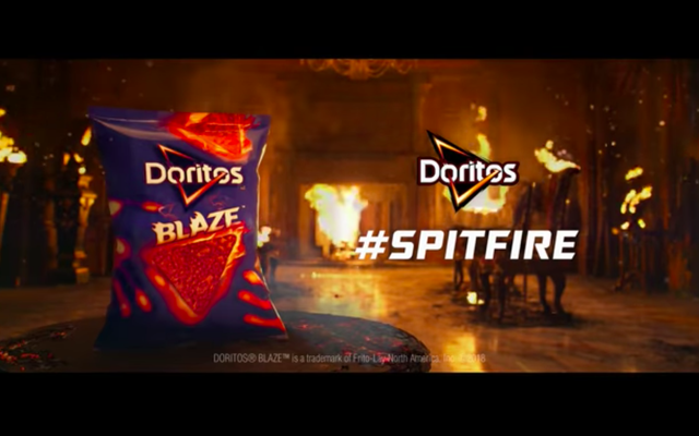 ドリトスは女性向けのよりソフトなチップを発売しますが、ガラスを噛みたい私たちにとってはどうでしょうか?