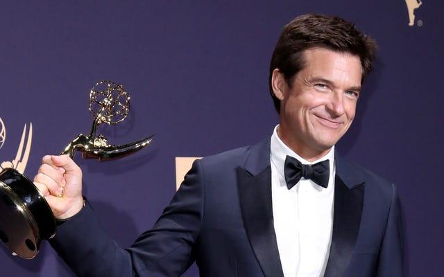新たに鋳造されたエミー賞を受賞したジェイソンベイトマンが主演し、新しい手がかり映画を監督するかもしれません