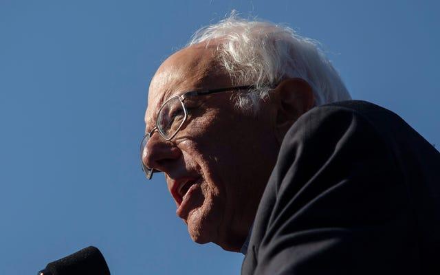 Weekend At Bernie's: Sanders Memberitahu Siswa Kulit Hitam untuk 'Menghormati' Polisi untuk Menghindari 'Ditembak di Bagian Belakang Kepala'