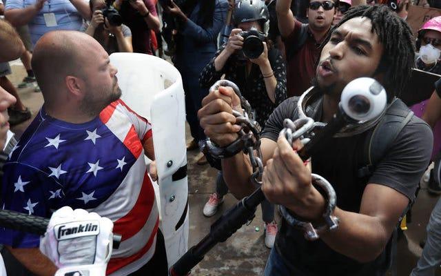 Un suprémaciste blanc victime d'accusations, il a écarté le candidat noir de la course au conseil municipal de Charlottesville, en Virginie.
