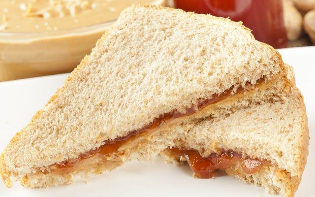 Cara Menipu Anak Anda untuk Makan Tumit Roti