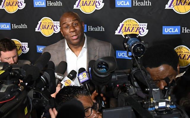 Magic Johnson Mengklaim 'Pengkhianatan' dan 'Menikam' sebagai Alasan Dia Tiba-tiba Meninggalkan Los Angeles Lakers