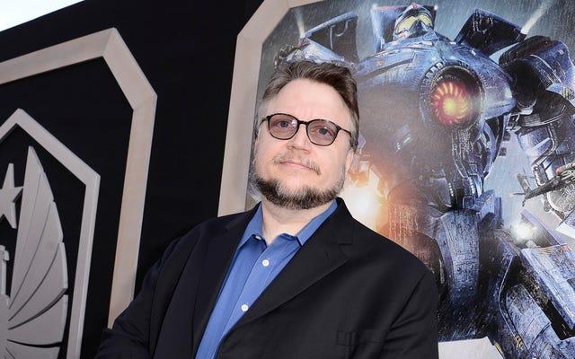 Guillermo del Toro memastikan bahwa Pacific Rim 2 belum dibatalkan, dan akan tetap melakukannya