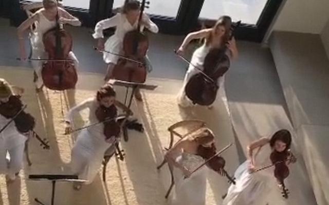 Kanye West a obtenu Kim Kardashian un orchestre à cordes pour la fête des mères, et qu'avez-vous fait?