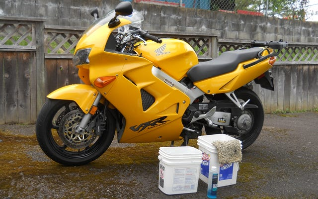 夏に向けてバイクをばかばかしくきれいにする方法