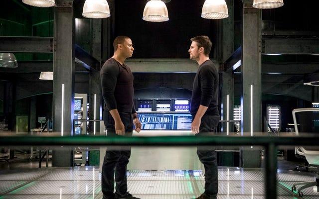 Diggle sort pour prendre de l'air, et avec lui, un peu de clarté pour Arrow