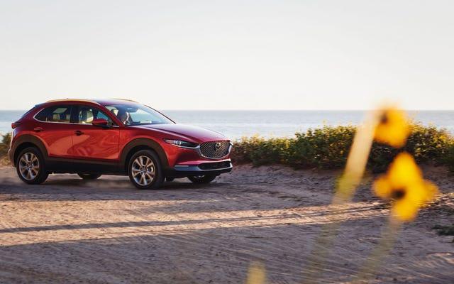 La Mazda CX-30 Turbo del 2021 è qui ed è un po 'costosa