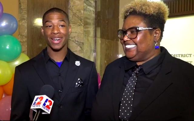 テキサス州の16歳の教師が養子縁組を依頼した後、「永遠の家」を見つける