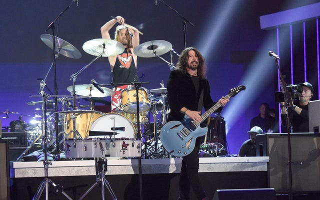 Foo Fighters, aby wprowadzić trochę stabilności do powyborczego SNL