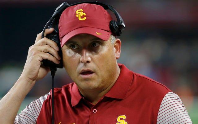 Transferts de prix EJ de l'USC; L'entraîneur Clay Helton nie que le prix l'a frappé