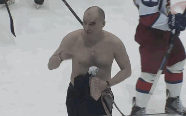 ロシアのホッケー乱闘はコーチを上半身裸で勝利を収める