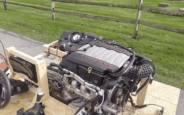 Hay algo tan maravilloso en manejar un motor armado Chevy LT1 sin el auto