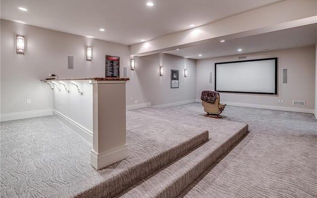 บ้านพิตส์เบิร์กของ Phil Kessel มีขายและมีโฮมเธียเตอร์ที่เหงาที่สุดในโลก