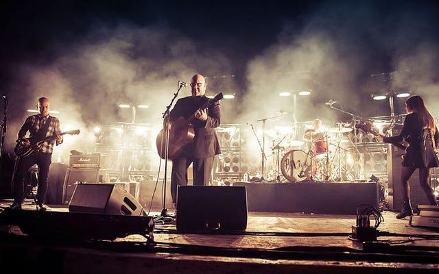ピクシーズがMitskiとの新しい北米ツアー日程を発表