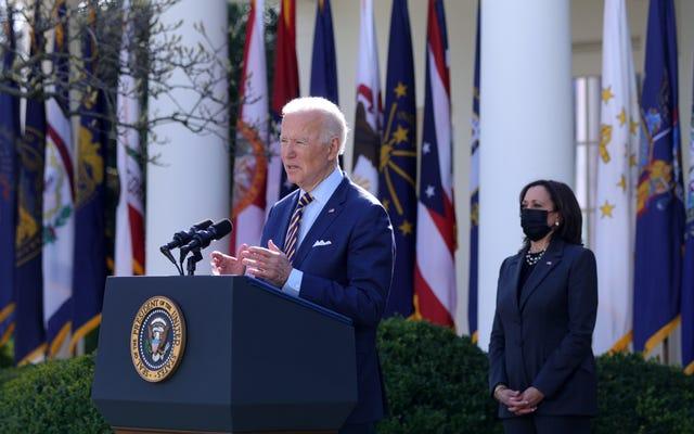 Biden esperará hasta que termine la investigación de Cuomo, no le pedirá que renuncie