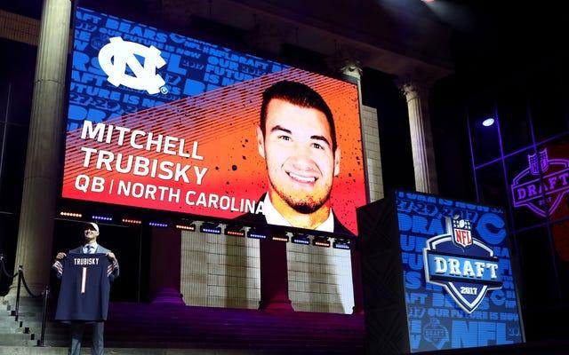 La selección de Mitch Trubisky de los Bears sigue luciendo cada vez peor