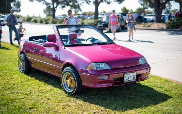 Contempla los autos más radiantes que fueron a Radwood San Francisco