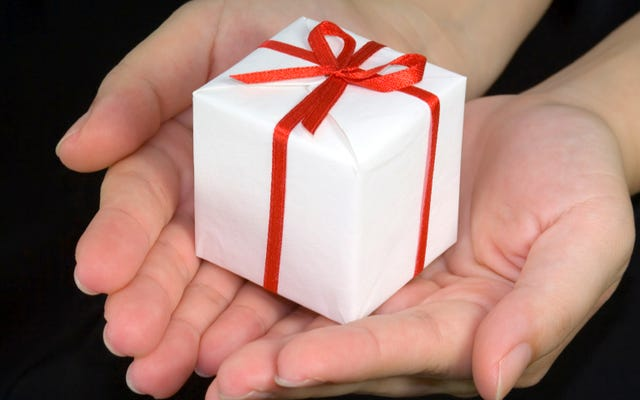 बस लोगों से पूछें कि उन्हें क्या उपहार चाहिए