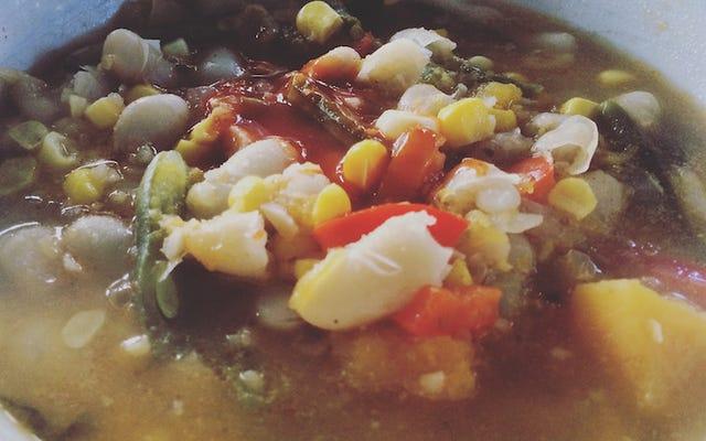 サラダバーに立ち寄って、スープに必要な材料だけを手に入れましょう