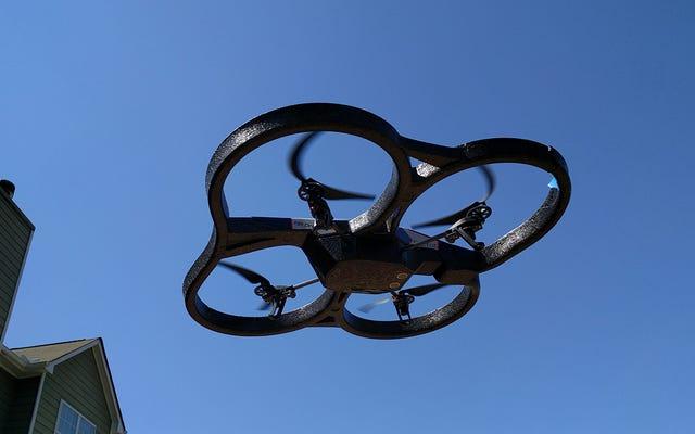 FAA, Hobi ve Ticari Drone Uçuşu İçin Kuralları Kesinleştirdi