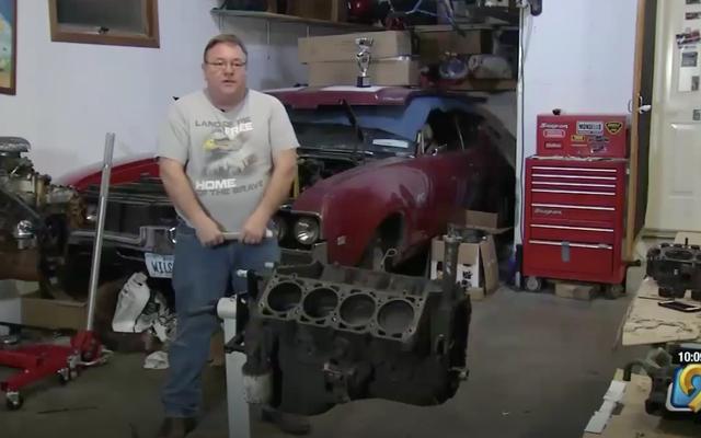 男は45年前にオールズモビルエンジンの中で失われた結婚指輪を見つけます