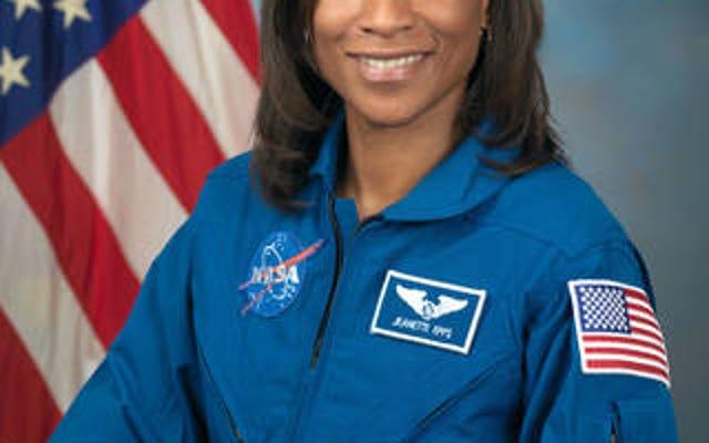 ジャネット・エップスが最初のアフリカ系アメリカ人国際宇宙ステーションの乗組員になる