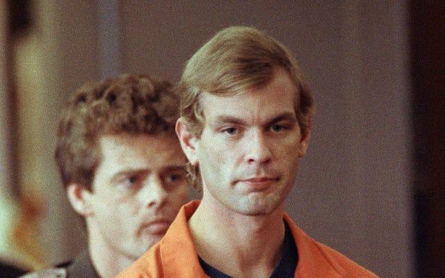 Espera, ¿cómo es que Ryan Murphy acaba de hacer un show de Jeffrey Dahmer?
