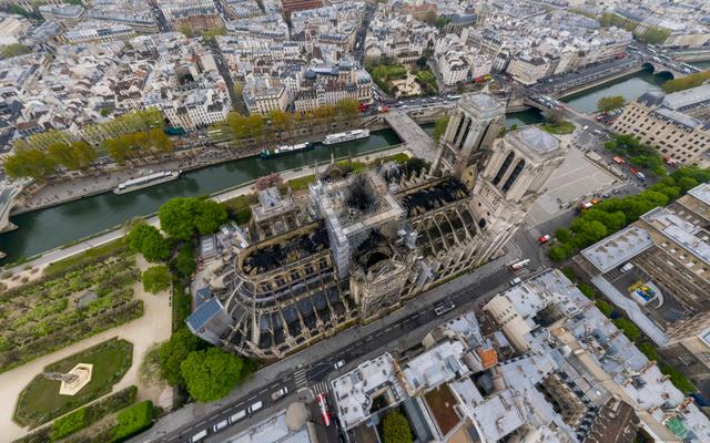 1,000,000,000ピクセルの写真の火災後のノートルダム大聖堂