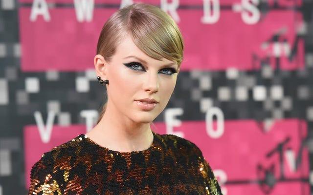 Ya Taylor Swift gerçekten yılanlara düşkündür ya da yeni müzik yayınlamak üzeredir.