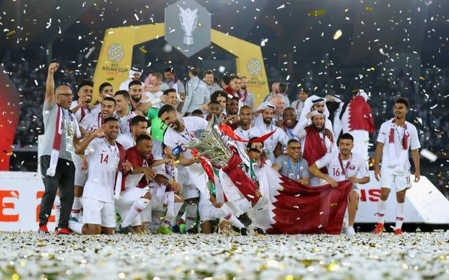 カタールは、アジアカップで初めて優勝し、2022年のワールドカップに向けて調整しました