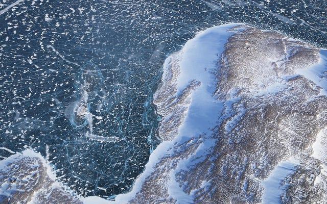 Część lodu z Morza Arktycznego zachowuje się jak w środku lata