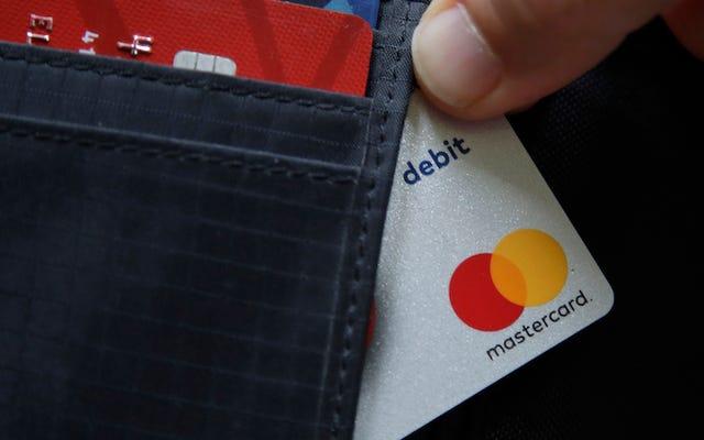 ट्रांसजेंडर लोग उस नाम का चयन करने में सक्षम होंगे जो संयुक्त राज्य में उनके भुगतान कार्ड पर दिखाई देता है