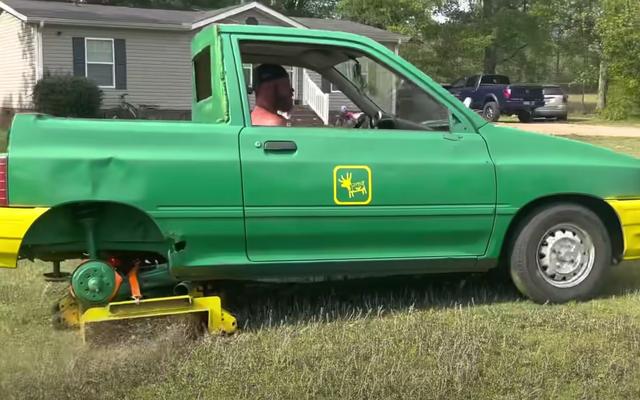 あなたの芝刈り機は、このフォードフェスティバ芝刈り機ほどクールになることはありません