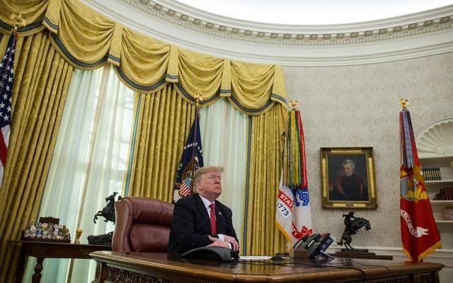 Trump vient-il de mentir sur le fait d'être dans le bureau ovale le soir du Nouvel An? Certains journalistes le pensent