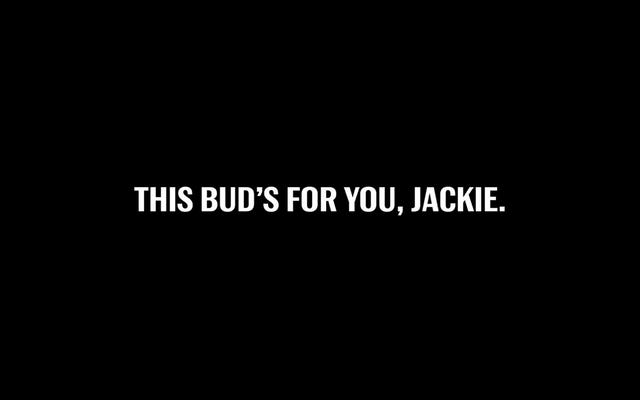 Brand déterre le cadavre de Jackie Robinson pour vendre de la bière