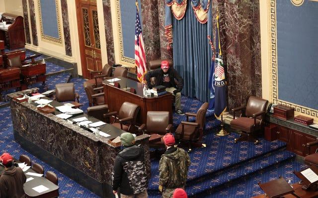 FBI đã biết trước thời hạn và không làm gì về sự phục sinh của Capitol: Báo cáo