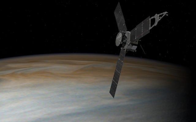 NASAのJunoミッションは、エンジンの問題が未解決のままであるため、さらに遅延に直面しています
