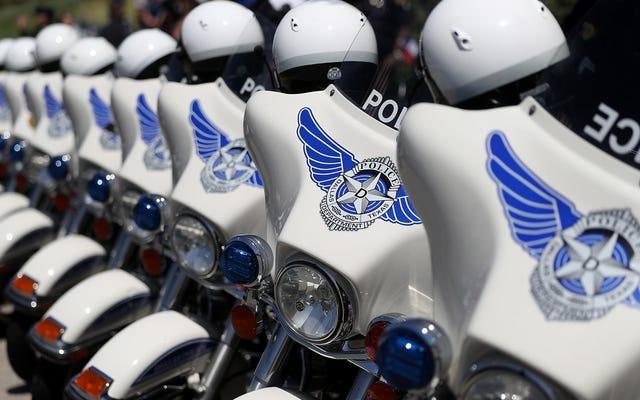 Policja w Dallas użyła oprogramowania do rozpoznawania twarzy bez autoryzacji, zainstalowanego na telefonach osobistych