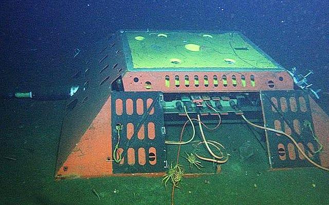 世界をつなぐ海底通信ケーブルも地震の検知に利用できます