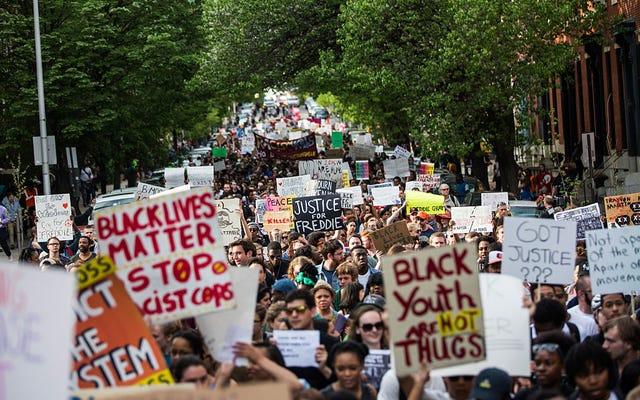 Vượt ra ngoài 'cuộc nói chuyện': Cách tôi lên kế hoạch giải quyết tình trạng bạo lực của cảnh sát đối với các cộng đồng người da đen