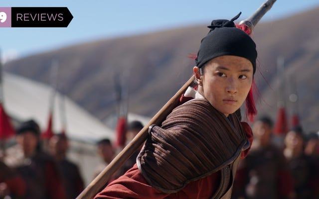 Mulan est un film d'arts martiaux épique avec une pertinence sociale