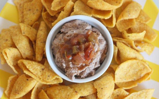 揚げたササゲ豆であなたの新しいお気に入りの豆のディップを作りましょう