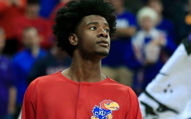 Avukat, Josh Jackson'ın Arabasına Hasar Verdiği İddiasının Ardından Kadın Basketbol Oyuncusunu Ödemeye Çalıştı