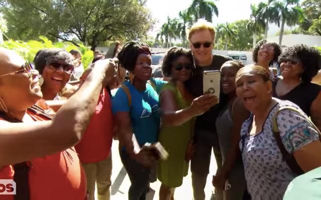 โคนันโอไบรอันบินไปเฮติเชิญชวนให้ชาวเฮติตัวจริงดูถูกประธานาธิบดีที่โง่เขลาของเรา