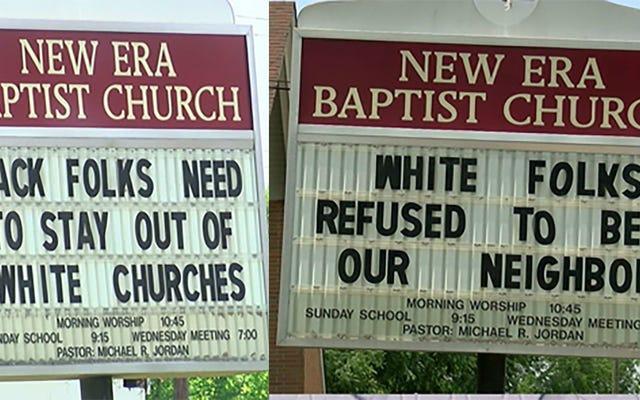 Mục sư chống lại Megachurch Gentrification với dấu hiệu bảo người da đen 'Tránh xa các nhà thờ da trắng'
