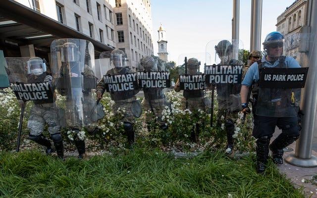 Các cuộc biểu tình của cảnh sát có giúp Biden được bầu không? Các nhà hoạt động của bang Black Swing tin như vậy
