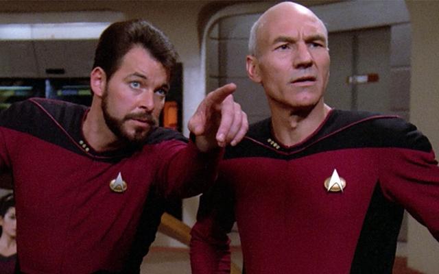 Jonathan Frakes dari Star Trek Akan Menyutradarai Patrick Stewart Sekali Lagi untuk Pertunjukan Picard