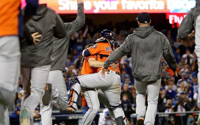 Astros có danh hiệu loạt trận thế giới đầu tiên