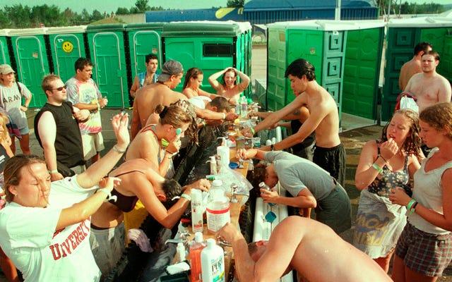 Woodstock revient pour son 50e anniversaire avec des actes hérités, une meilleure situation des toilettes
