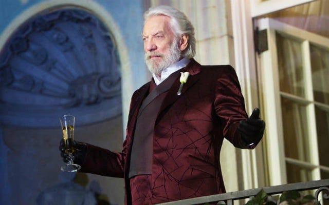 The Hunger Games kéo một cuộc chiến giữa các vì sao với anh hùng tiền truyện của nó